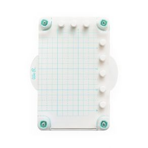 Mini presse pour tampons par We R Memory Keepers. Scrapbooking et loisirs créatifs. Livraison rapide et cadeau dans chaque co...