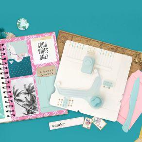 Punch Board We R Memory Keepers pour pochettes POCKET par We R Memory Keepers. Scrapbooking et loisirs créatifs. Livraison ra...