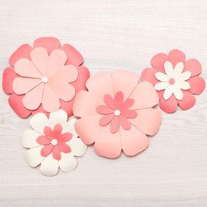 Punch Board We R Memory Keepers pour fleurs FLOWER par We R Memory Keepers. Scrapbooking et loisirs créatifs. Livraison rapid...