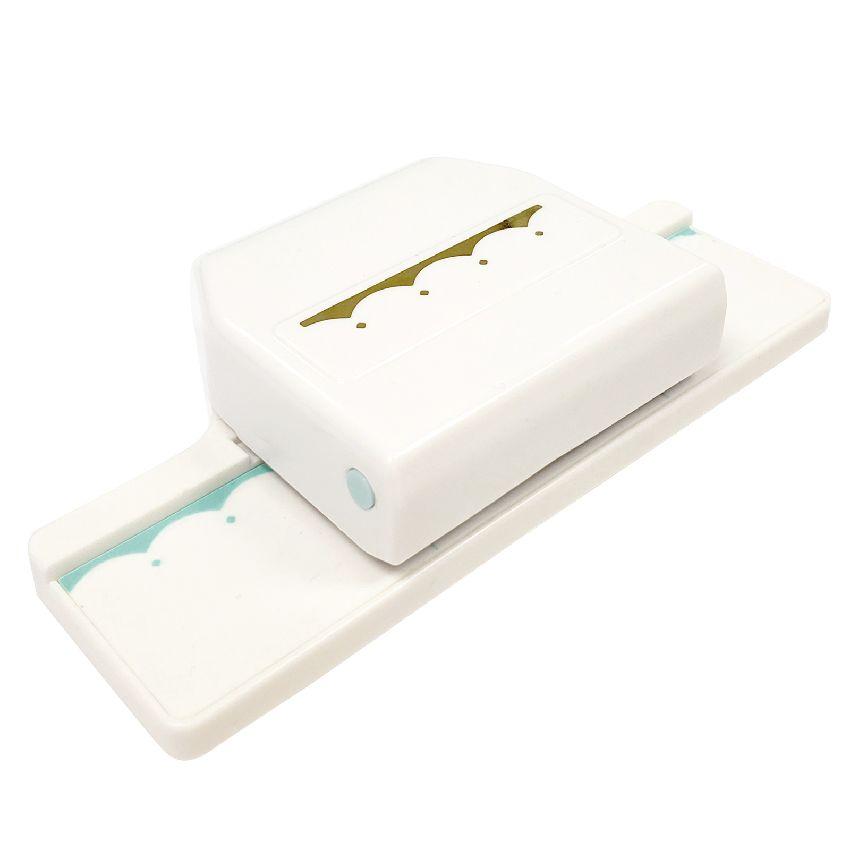 Perforatrice bordure We R Memory Keepers SCALLOP DIAMOND par We R Memory Keepers. Scrapbooking et loisirs créatifs. Livraison...