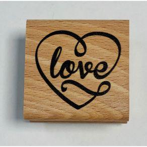 Tampon bois CŒUR LOVE par In Spirit. Scrapbooking et loisirs créatifs. Livraison rapide et cadeau dans chaque commande.