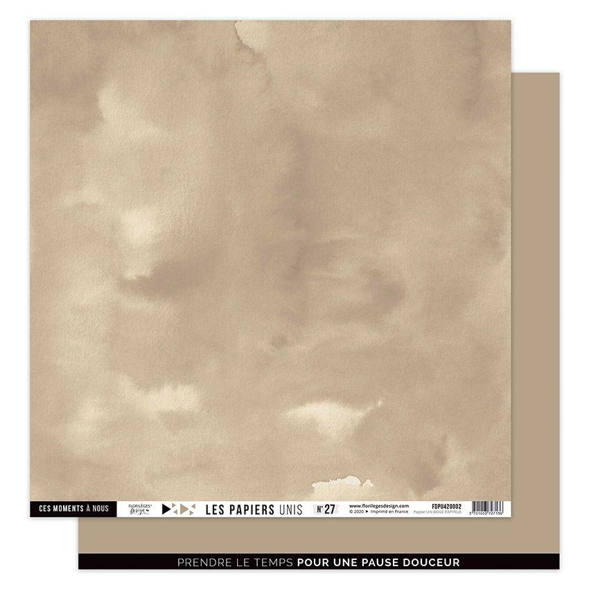 Papier Uni N°27 BEIGE PAPYRUS par Florilèges Design. Scrapbooking et loisirs créatifs. Livraison rapide et cadeau dans chaque...