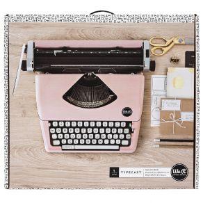 Machine à écrire TYPECAST TYPEWRITER ROSE par We R Memory Keepers. Scrapbooking et loisirs créatifs. Livraison rapide et cade...