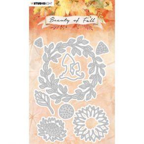 Outil de découpe Beauty Of Fall COURONNE DE FEUILLES NR.58 par Studio Light. Scrapbooking et loisirs créatifs. Livraison rapi...