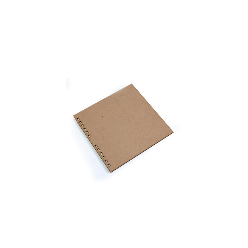CARRÉ MEDIUM 20cm x 20cm perforé par In Spirit. Scrapbooking et loisirs créatifs. Livraison rapide et cadeau dans chaque comm...