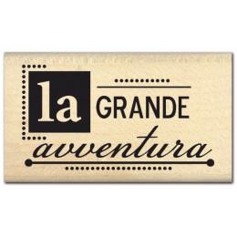 Parfait pour créer : Tampon bois italien GRANDE AVVENTURA par Florilèges Design. Livraison rapide et cadeau dans chaque comma...
