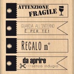 Tampon bois italien DA APRIRE SENZA INDUGIO par Florilèges Design. Scrapbooking et loisirs créatifs. Livraison rapide et cade...