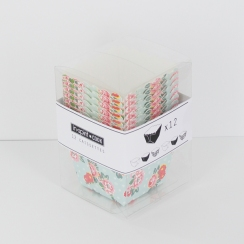 Caissettes carrées imprimées fleurs par . Scrapbooking et loisirs créatifs. Livraison rapide et cadeau dans chaque commande.