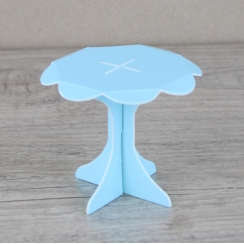 Mini présentoirs à cupcake bleus par . Scrapbooking et loisirs créatifs. Livraison rapide et cadeau dans chaque commande.