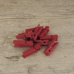 Petites pinces à linge rouges