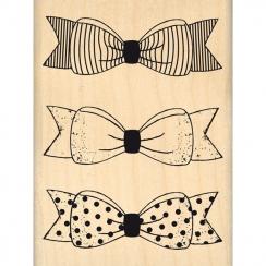 Tampon bois TROIS PETITS NŒUDS par Florilèges Design. Scrapbooking et loisirs créatifs. Livraison rapide et cadeau dans chaqu...