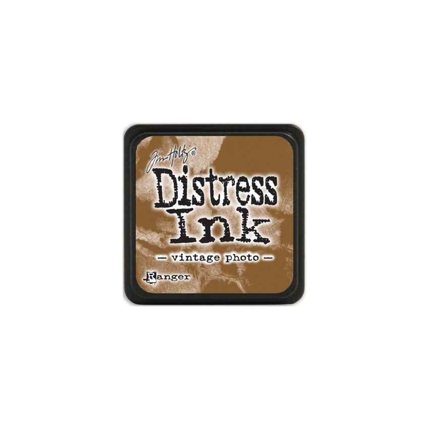 Encre Mini Distress VINTAGE PHOTO par Ranger. Scrapbooking et loisirs créatifs. Livraison rapide et cadeau dans chaque commande.