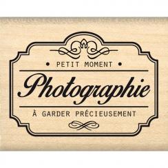 Tampon bois PETIT MOMENT À GARDER par Florilèges Design. Scrapbooking et loisirs créatifs. Livraison rapide et cadeau dans ch...