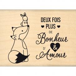 Tampon bois PLUS D'AMOUR par Florilèges Design. Scrapbooking et loisirs créatifs. Livraison rapide et cadeau dans chaque comm...