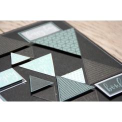 Commandez Tampon bois TRIANGLES DÉCO Florilèges Design. Livraison rapide et cadeau dans chaque commande.