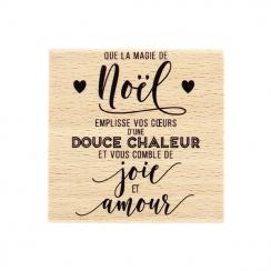 Tampon bois NOËL CHALEUREUX par Florilèges Design. Scrapbooking et loisirs créatifs. Livraison rapide et cadeau dans chaque c...