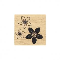 Tampon bois TRIO DE FLEURS par Florilèges Design. Scrapbooking et loisirs créatifs. Livraison rapide et cadeau dans chaque co...