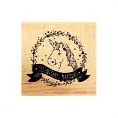 Tampon bois LICORNE MAGIQUE par Florilèges Design. Scrapbooking et loisirs créatifs. Livraison rapide et cadeau dans chaque c...