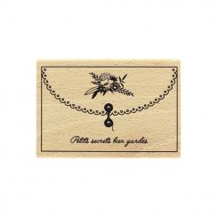 Tampon bois PETITS SECRETS BIEN GARDÉS par Florilèges Design. Scrapbooking et loisirs créatifs. Livraison rapide et cadeau da...