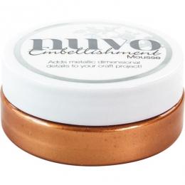 Commandez Pâte de texture Nuvo Embellishment Mousse FRESH COPPER Tonic Studios. Livraison rapide et cadeau dans chaque commande.