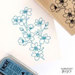 Tampon bois CERISIER EN FLEURS par Florilèges Design. Scrapbooking et loisirs créatifs. Livraison rapide et cadeau dans chaqu...
