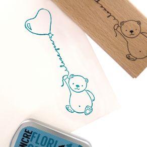 Tampon bois MON PETIT OURS par Florilèges Design. Scrapbooking et loisirs créatifs. Livraison rapide et cadeau dans chaque co...