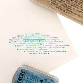 Tampon bois italien LA VITA CHE SCORRE par Florilèges Design. Scrapbooking et loisirs créatifs. Livraison rapide et cadeau da...