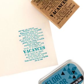 Tampon bois AU RYTHME DES VACANCES par Florilèges Design. Scrapbooking et loisirs créatifs. Livraison rapide et cadeau dans c...