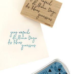 Tampon bois allemand DAS LEBEN GENIESSEN par Florilèges Design. Scrapbooking et loisirs créatifs. Livraison rapide et cadeau ...