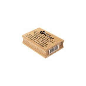 Tampon bois V COMME VOYAGE par Florilèges Design. Scrapbooking et loisirs créatifs. Livraison rapide et cadeau dans chaque co...