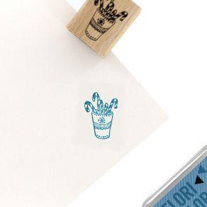 Tampon bois MUG CANDY par Florilèges Design. Scrapbooking et loisirs créatifs. Livraison rapide et cadeau dans chaque commande.