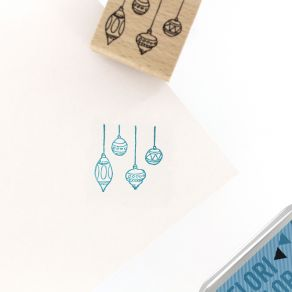 Tampon bois MINI BOULES par Florilèges Design. Scrapbooking et loisirs créatifs. Livraison rapide et cadeau dans chaque comma...