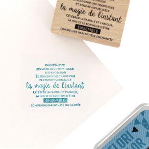 Tampon bois CÉLÉBRER LA MAGIE par Florilèges Design. Scrapbooking et loisirs créatifs. Livraison rapide et cadeau dans chaque...