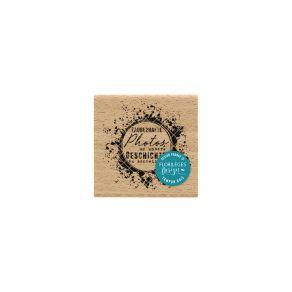 Tampon bois allemand UNSERE GESCHICHTE SCHREIBEN par Florilèges Design. Scrapbooking et loisirs créatifs. Livraison rapide et...