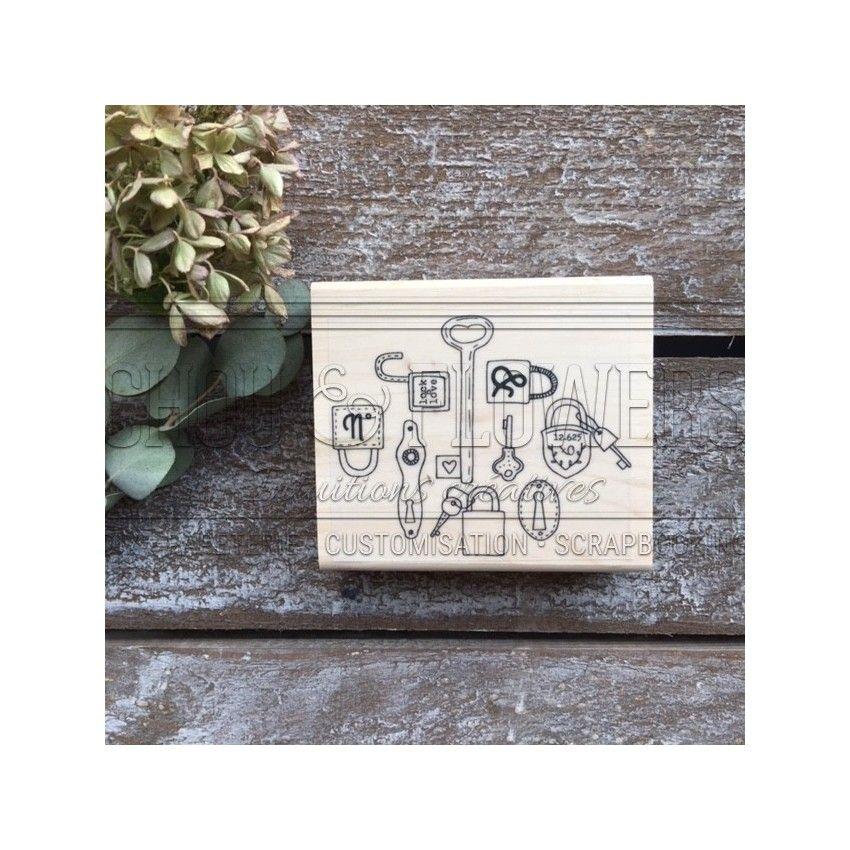Tampon bois Esprit Brocante LOCKER par Chou and Flowers. Scrapbooking et loisirs créatifs. Livraison rapide et cadeau dans ch...